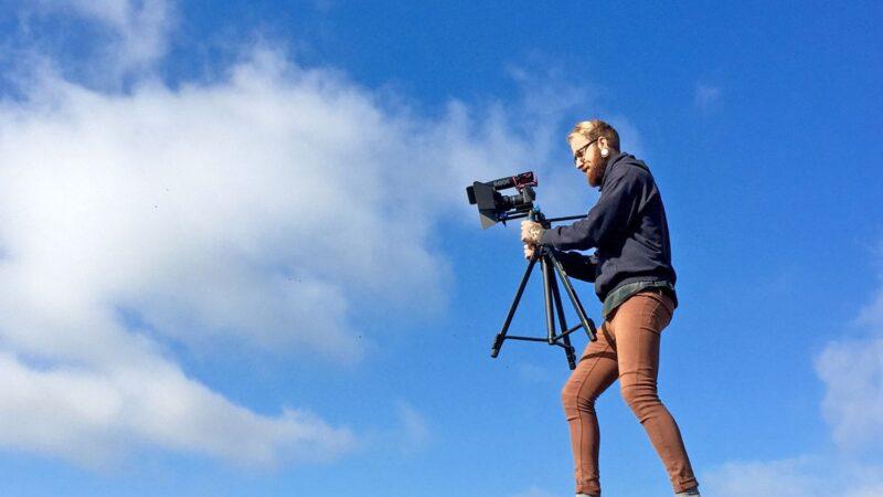 Professioneller Videodreh Auf Dem Dach Eines Kunden